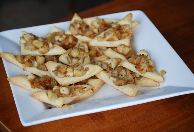 apple onion tarts